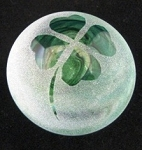 Frosted paperweight four leaf green