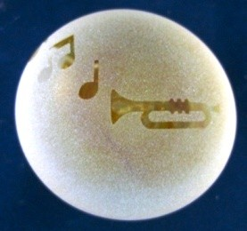 Frosted paperweight trumpet yellow