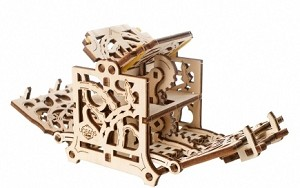 Wooden Mechanical Dice Keeper by Ugears