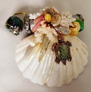 Mini Seashell with aquarium bead, turtle by Cathy Painter